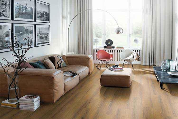 chung cư nên lát sàn gỗ công nghiệp hay gạch men