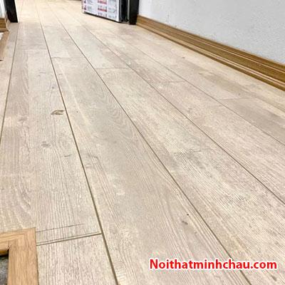 Sàn gỗ Smartwood RJ2950 12mm hoàn thiện