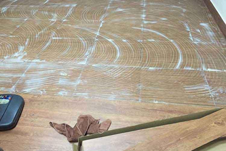 sàn nhựa dán keo vân gỗ