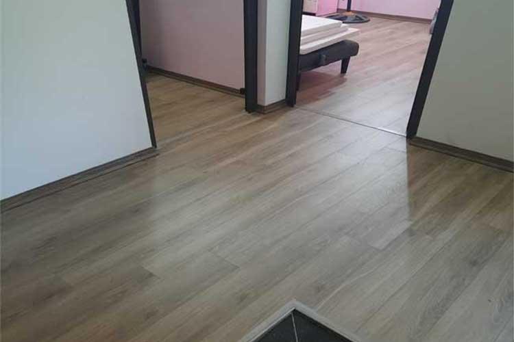 hoàn thiện lắp đặt sàn gỗ cốt xanh ziccos z2 8mm tại tân dân 1 phương trung thanh oai