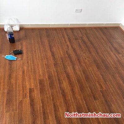 Sàn gỗ Thaipro TL201 12mm cốt xanh hoàn thiện
