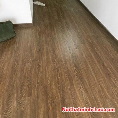 Sàn gỗ Thaipro TL207 12mm cốt xanh hoàn thiện