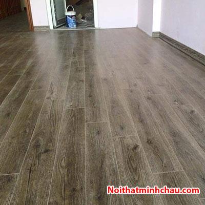 Sàn gỗ Vietone V880 12mm hoàn thiện