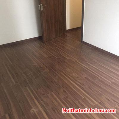 Sàn gỗ Vietone V881 12mm hoàn thiện