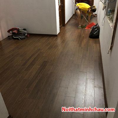 Sàn gỗ Vietone V885 12mm hoàn thiện