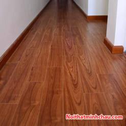 Sàn gỗ Vietone V888 12mm hoàn thiện