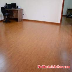 Sàn gỗ Vietone V889 12mm hoàn thiện