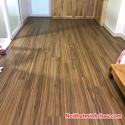 Sàn gỗ Vietone VO903 8mm hoàn thiện