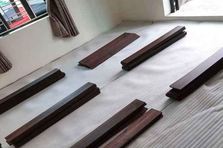 lắp đặt sàn gỗ cốt xanh thái lan thaipro tl206 phòng ngủ tại ứng hòa