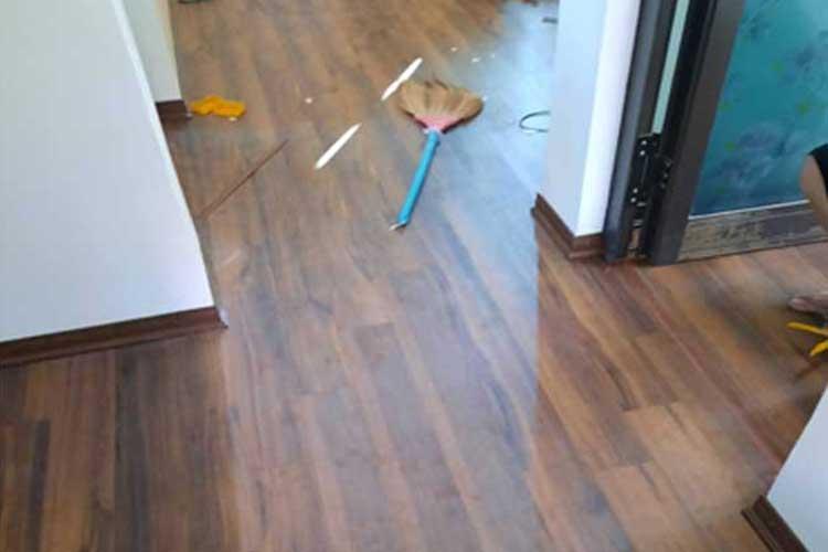 thi công hoàn thiện lắp đặt sàn gỗ thaipro tl206 tại hoa sơn ứng hòa