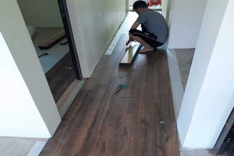 thi công lắp đặt sàn gỗ cốt xanh thái lan thaipro tl206 tại ứng hòa