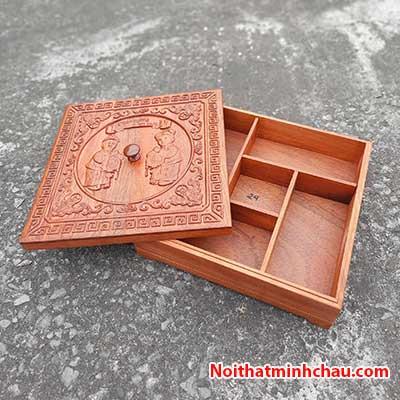 Hộp đựng bánh kẹo tết Tiểu Đồng Chúc Phúc bằng gỗ hương