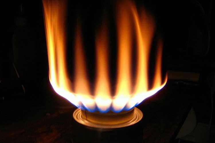 Cách xử lý bếp gas bị lửa đỏ tại nhà