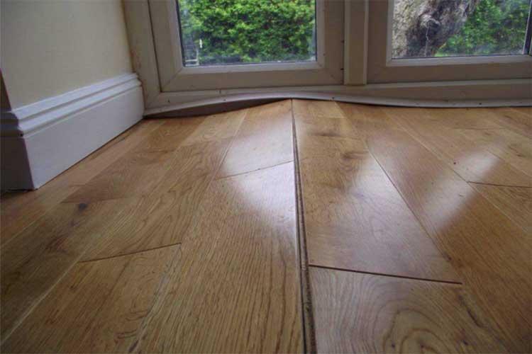 Xử lý sàn gỗ công nghiệp bị phồng