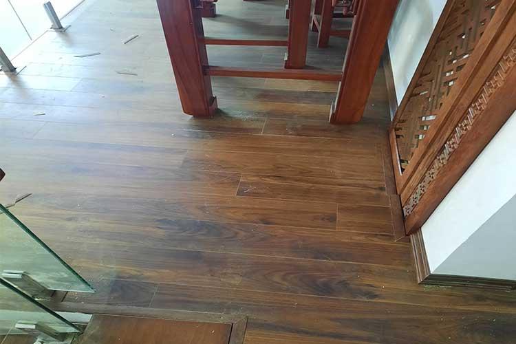Hoàn thiện lắp đặt sàn gỗ cốt xanh Indonesia Bandi D3488 tầng 2 tại Văn Võ, Chương Mỹ