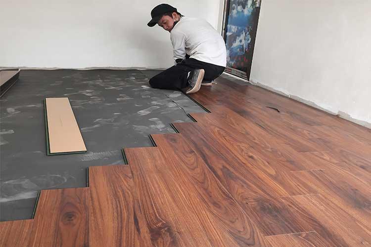 Lắp đặt sàn gỗ cốt xanh Bandi D3488 12mm tại Chương Mỹ