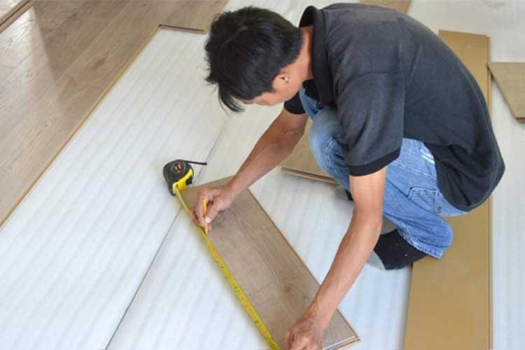 Tại sao lắp đặt sàn gỗ cần phải sử dụng mút xốp lót sàn