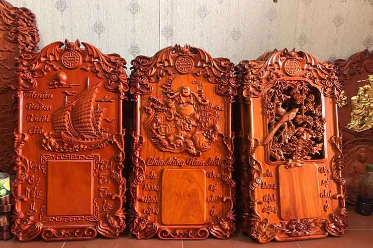 cửa hàng bán đốc lịch gỗ hương treo tường giá rẻ