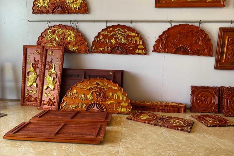 cửa hàng bán tranh quạt gỗ treo tường giá rẻ